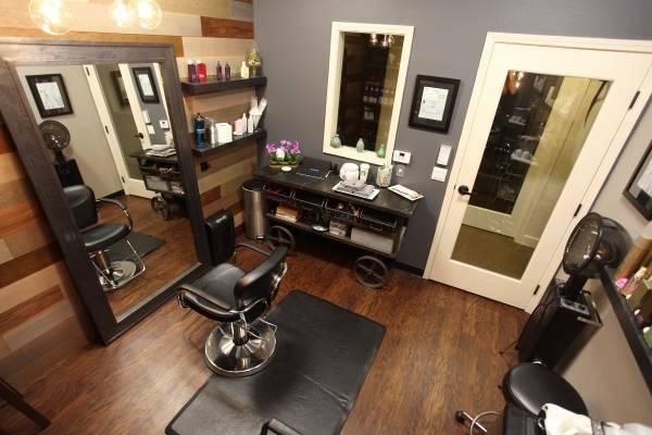 CL pic - suite (3) - Phenix Salon Suites - Escondido